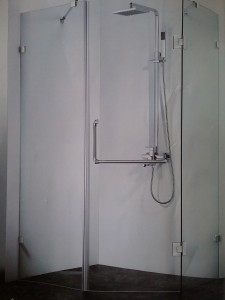 Vách kính tắm TEMPER mẫu 1