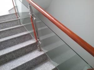 Cầu thang kính 2
