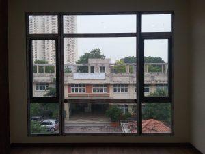 Cửa sổ mở quay Nhôm xingfa mẫu 4