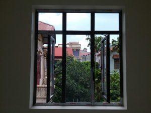 Cửa sổ mở quay Nhôm xingfa mẫu 2
